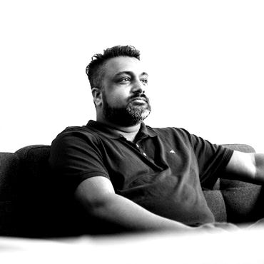darren-prasad-digital-marketer-blackwhite